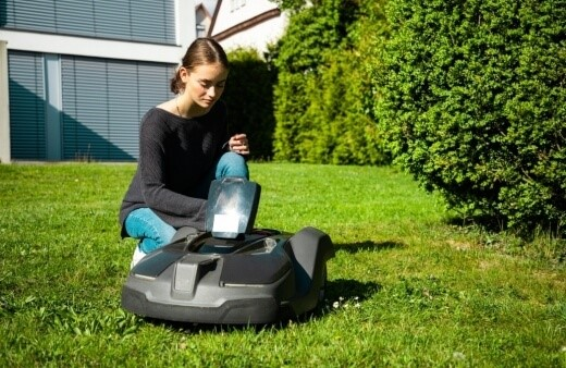 robotic lawn mower programming